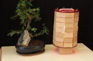 Lampion japonisant en chêne massif.